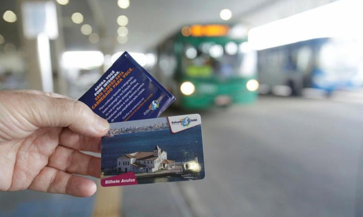 Salvador Card é exigido para fazer integração na Estação Pirajá - Foto: Adilton Venegeroles | Ag. A TARDE