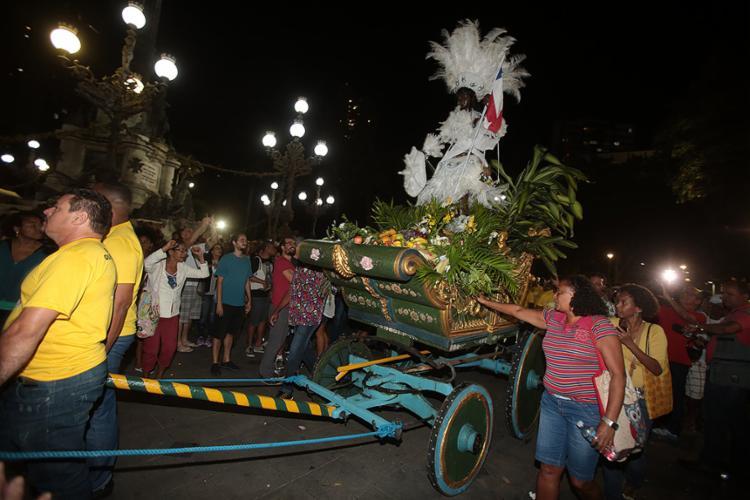 Símbolo secular da resistência do povo baiano ao colonizador este ano recebeu indumentária na cor branca - Foto: Joá Souza l Ag. A TARDE