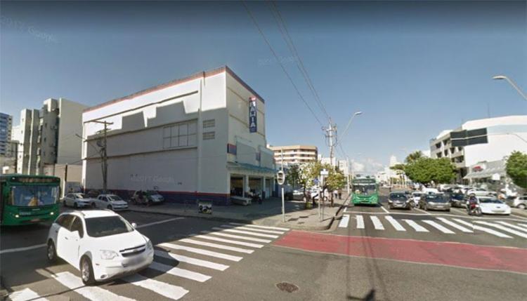 Durante o assalto um dos suspeitos foi baleado - Foto: Reprodução | Google Maps