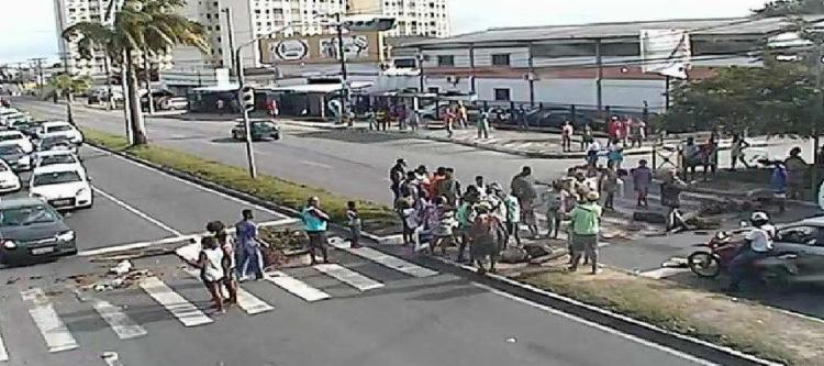 Não há informações sobre o motivo do protesto - Foto: Reprodução   Transalvador