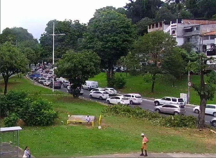 Trânsito segue congestionado na região - Foto: Reprodução | Twitter