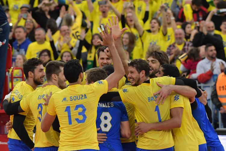 Jogadores do Brasil comemoram após classificação - Foto: Nelson Almeida | AFP