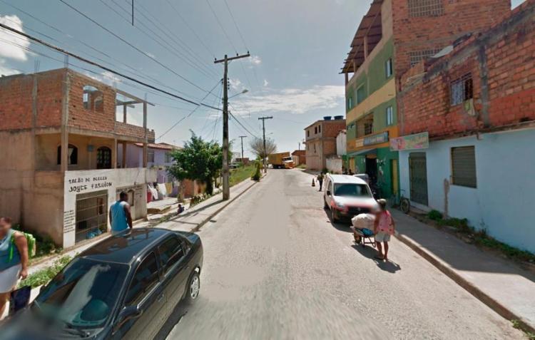 Uma das vítimas foi morta na rua Direta de Jaguaripe I, por volta das 5h40 - Foto: Reprodução | Google Maps
