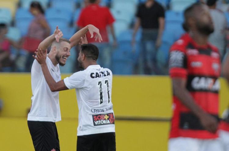 Uillian Correia celebra gol que deu triunfo ao Vitória em Goiânia - Foto: Carlos Costa| Futura Press | Estadão Conteúdo