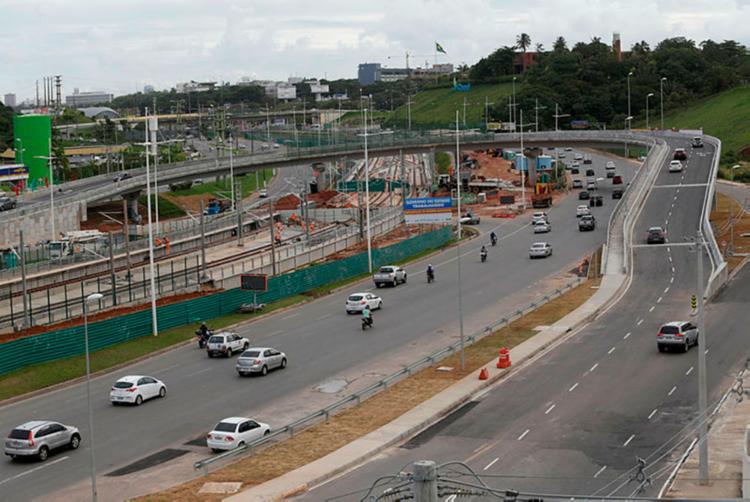Viaduto fica na região do Shopping Paralela - Foto: Adilton Venegeroles | Ag. A TARDE