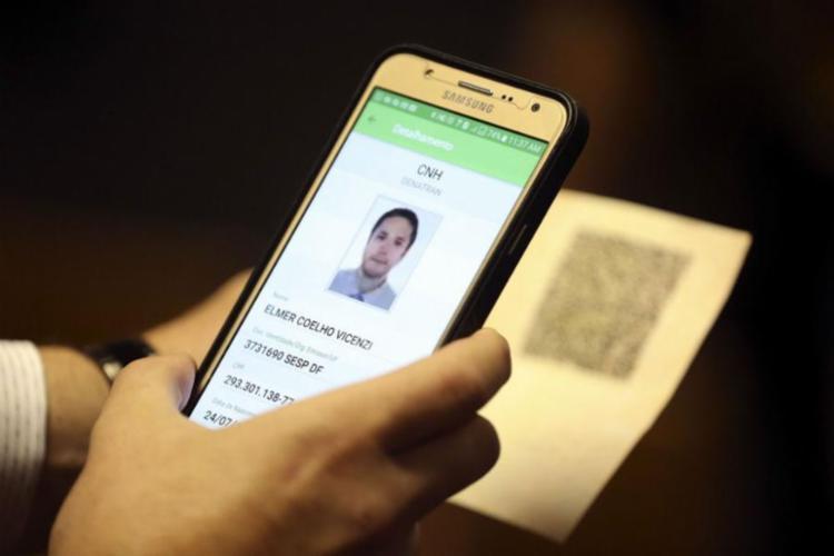 Versão pode ser usada por condutor que possui carteira impressa no formato atual ou certificado digital - Foto: José Cruz Agência Brasil