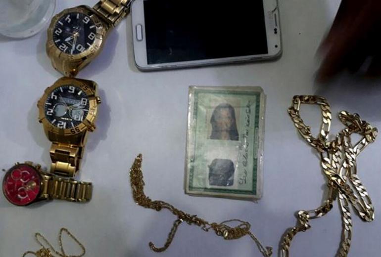 Suspeita de assaltar joalheria em shopping de Camaçari é presa
