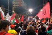 Grupos pró-Lula seguem caravana até Arena Fonte Nova | Foto:
