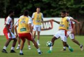 Matheus Reis treina como titular; Armero faz exame | Foto: