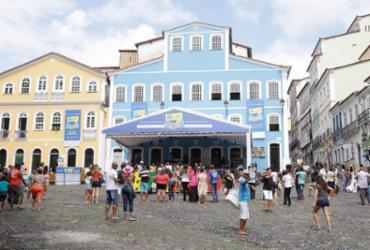 Flipelô encerra 1ª edição neste domingo com destaque para teatro e música