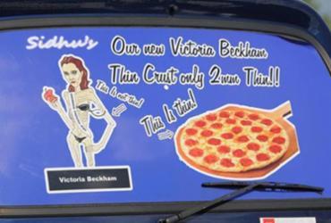Victoria Beckham é descrita como 'ícone de anorexia' em anúncio