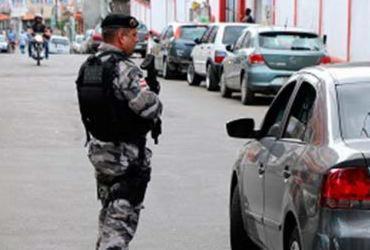 Policiais da Patamo ocupam as ruas do Curuzu durante operação