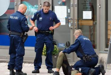 Agressão a facadas deixa dois mortos e seis feridos na Finlândia