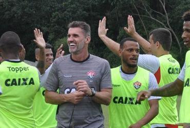Vitória acredita que pode reverter favoritismo do líder Corinthians
