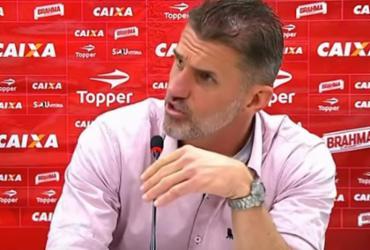 Mancini elogia o time e se irrita com repórter paulista
