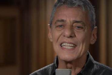Chico Buarque cai no funk em faixa do novo disco