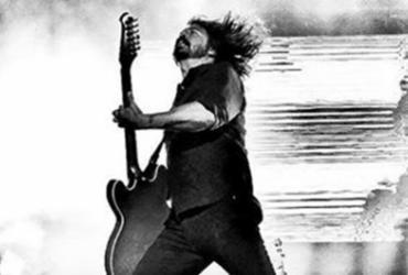 Foo Fighters e Rick Astley surpreendem com versão de 'Never Gonna Give You Up'