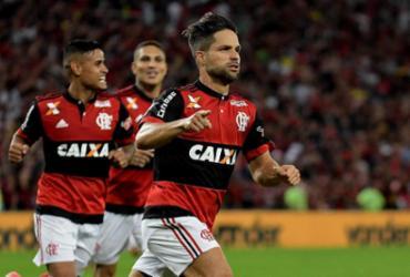 Com gol de Diego, Flamengo derrota o Botafogo e vai à final da Copa do Brasil