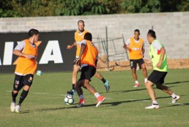 Vitória retorna aos treinos de olho no Coritiba
