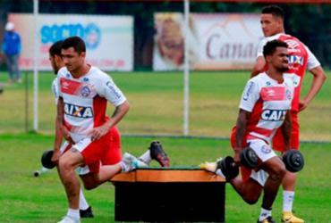 Preto Casagrande comanda primeiro treino após efetivação