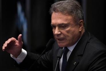 Álvaro Dias defende combate à corrupção e melhor gestão de gastos públicos | Fabio Rodrigues Pozzebom l Agência Brasil l 30.06.2016