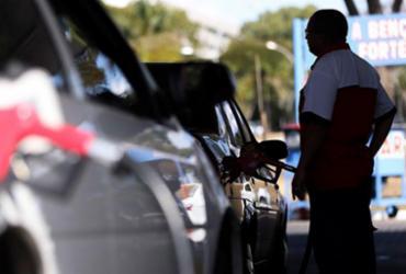 Gasolina pesa e inflação de famílias ricas sobe mais que na baixa renda |