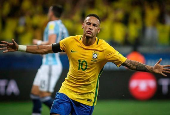 Sete brasileiros disputam vaga em premiação de time ideal