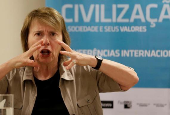 Polêmica, Camille Paglia critica sexualidade, filosofia e religião