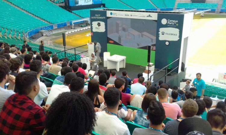 Encenação promove uma reflexão sobre a inteligência artificial - Foto: Yuri Pastori | Ag. A Tarde