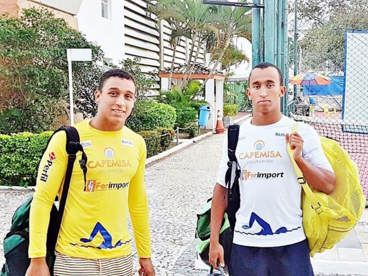 Irmãos Theo e Enzo estão prontos para viajar à Bolívia em busca de medalhas - Foto: Júlio Esteves