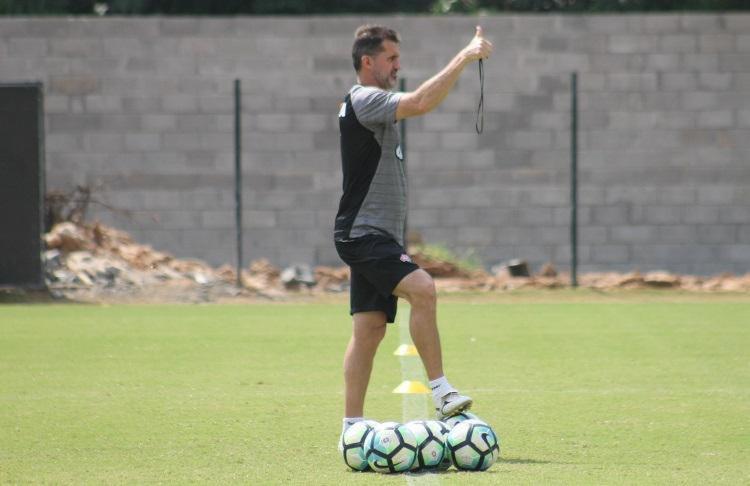 Treinador acredita que elenco está mais motivado após sua chegada - Foto: Maurícia da Matta / EC Vitória / Divulgação