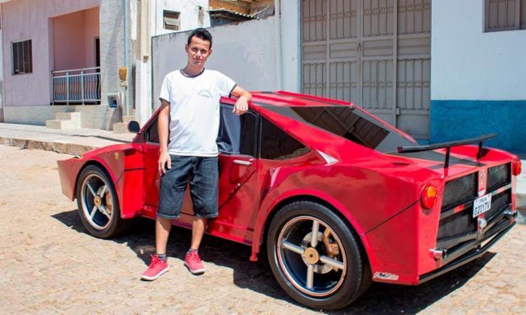 O rapaz utilizou peças de motocicleta e carro na construção - Foto: Reprodução | Marcos Domício | Paramirim Eventos
