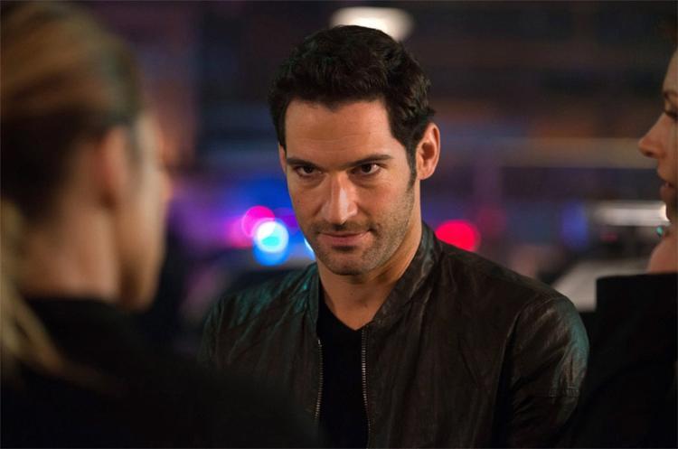 O ator inglês Tom Ellis vive o próprio Diabo na atração Lucifer da FOX e do serviço Netflix - Foto: Divulgação