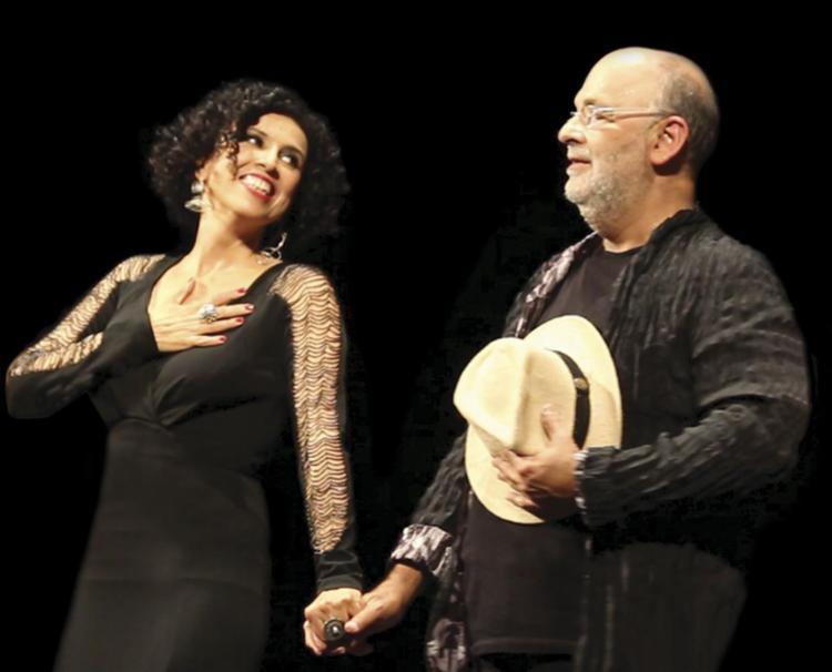 Paula e Jaques Morelenbaum acompanharam Tom Jobim por mais de 10 anos - Foto: Divulgação