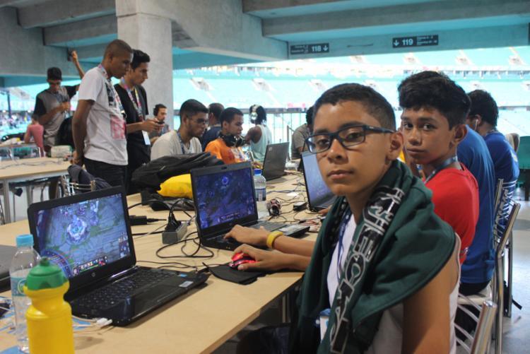 Jovens aproveitam experiência no maior evento de tecnologia do mundo - Foto: Igor Andrade