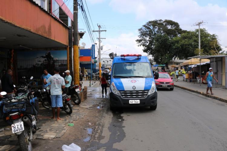 Policiais são vistos nas ruas do bairro de São Cristóvão - Foto: Alberto Maraux | Divulgação | SSP-BA