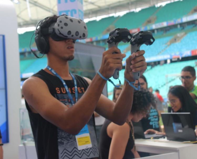 Espaço dedicado a games de realidade virtual é um dos mais visitados pelo público - Foto: Igor Andrade | Ag. A TARDE SP