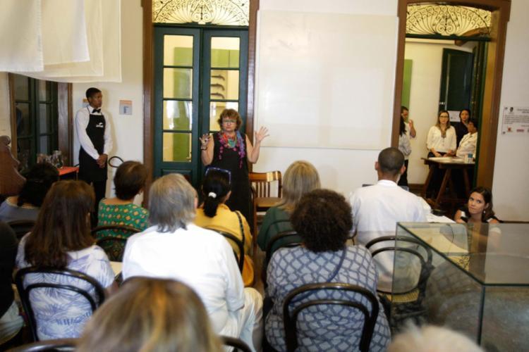 A escritora Paloma Amado durante o Flipelô neste sábado, 12 - Foto: Luciano da Matta | Ag. A TARDE