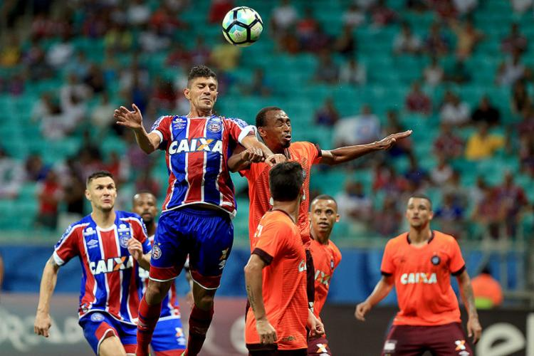 Volante tricolor Edson fez um dos gols do histórico 6 a 2 do Bahia sobre o Atlético-PR na estreia - Foto: Felipe Oliveira l EC Bahia