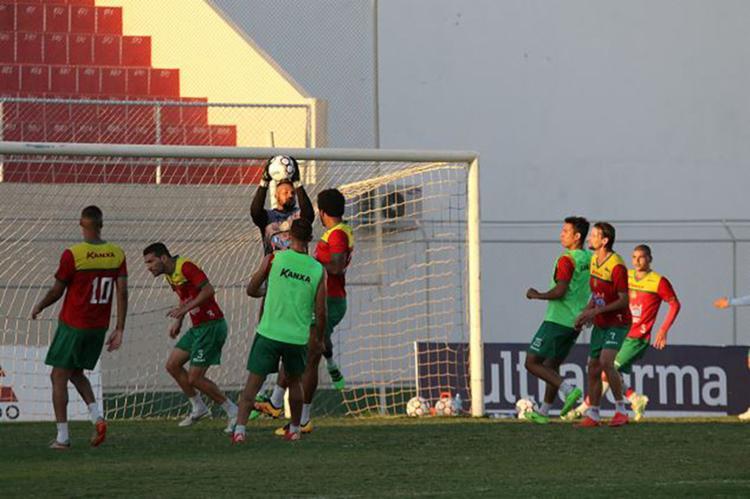Mesmo com a grande vantagem que conquistou, Cancão de Fogo treinou forte durante a semana - Foto: Carlos Humberto l Agência CH l Divulgação