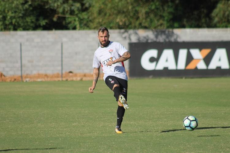 Mesmo treinando com bola, Willian Farias ainda é dúvida para sábado - Foto: Maurícia da Matta   EC Vitória