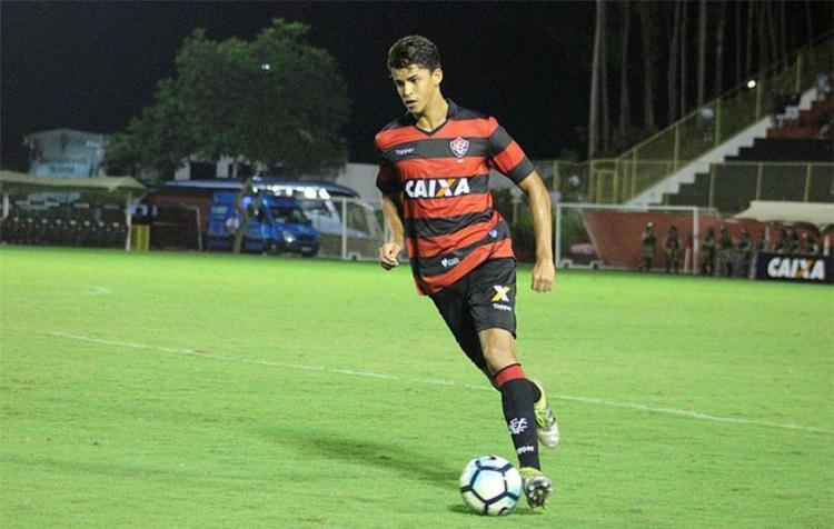 Bruno Bispo demonstrou segurança e boa técnica em jogo contra Avaí - Foto: Maurícia da Matta | Divulgação | ECVitória
