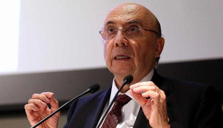 Henrique Meirelles grava vídeo pedindo oração pela economia