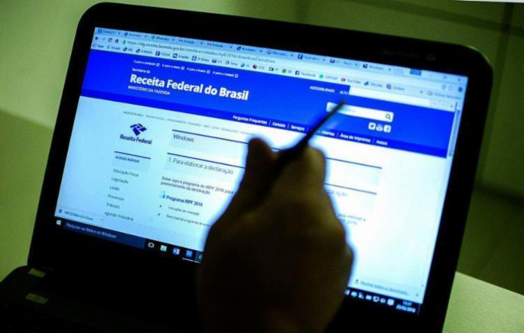 O contribuinte que quiser saber se teve a declaração liberada deverá acessar o site da Receita - Foto: Marcelo Camargo | ABr