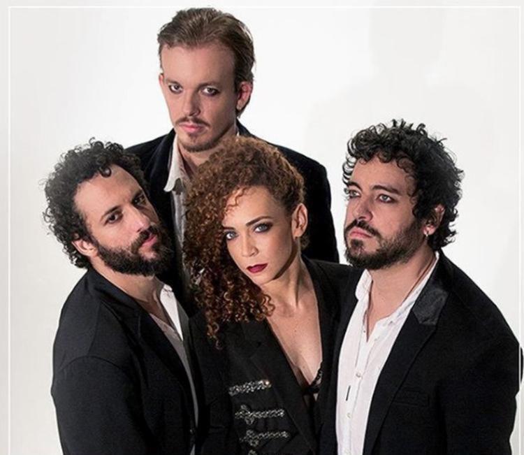 Uma parte do repertório do álbum veio daquelas apresentações em que Laila dividia o palco com o trio de músicos - Foto: Reprodução | Instagram