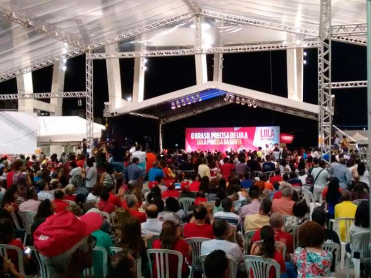 Ato político no estádio é aberto ao público - Foto: Yuri Silva | Ag. A TARDE