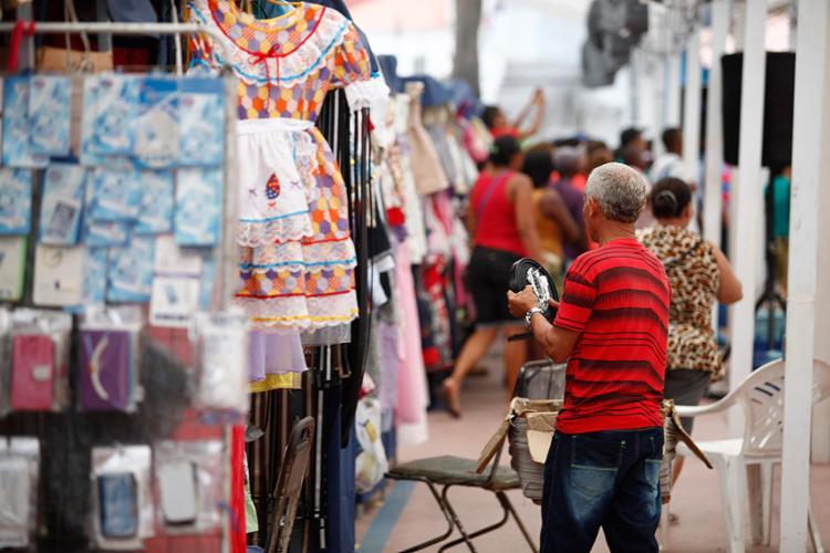 Apuração do IBGE analisa número de ocupados até mesmo no mercado informal - Foto: Joá Souza l Ag. A TARDE l 16.5.2016