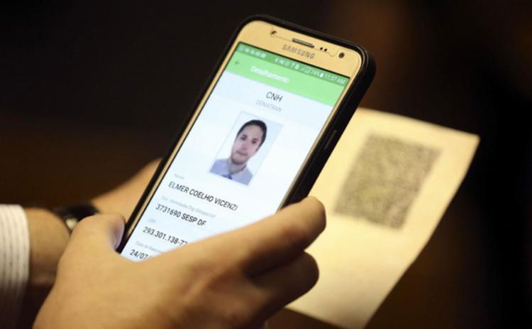 CNH digital poderá ser acessada por meio do aplicativo para celular - Foto: Divulgação