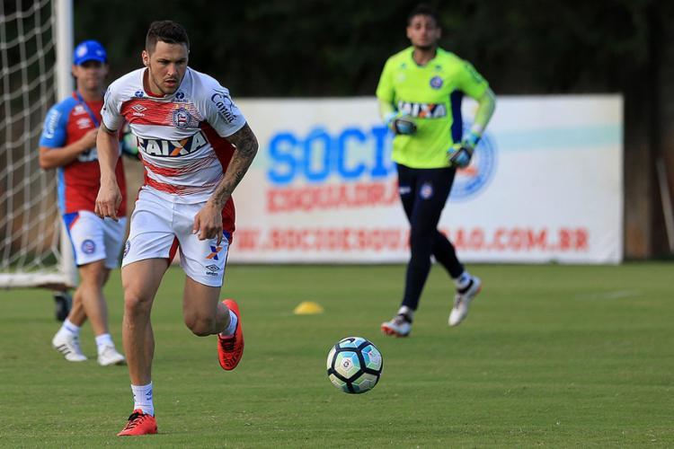 Poupado do treino de quinta com dores no pé, Tiago voltou a trabalhar normalmente nesta sexta-feira - Foto: Felipe Oliveira l EC Bahia
