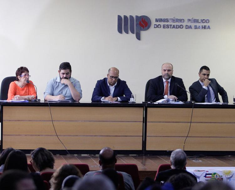 Problema foi discutido na sede do Ministério Público estadual, em Nazaré - Foto: Raul Spinassé l Ag. A TARDE
